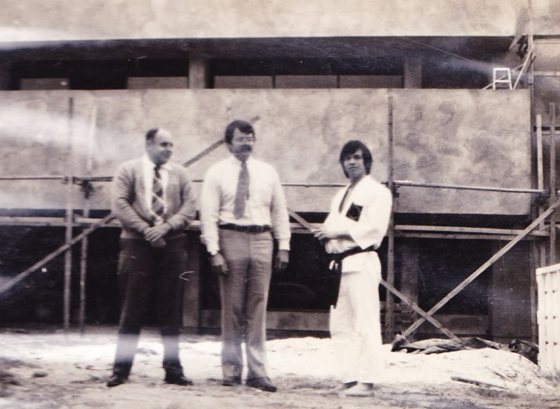 File:Frank maletsky with congressman miller and Boys Club director, 1975 fund raising for the construction of building in background.JPG