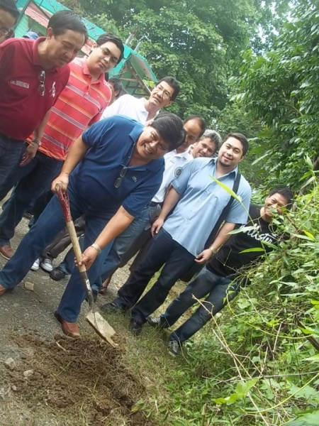 Mayor Nery plant more trees.jpg