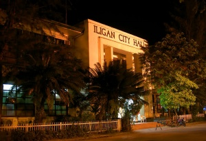 Iligan city at night.jpg