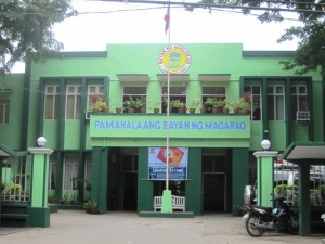 Magarao Municipal Hall, Camarines Sur.JPG