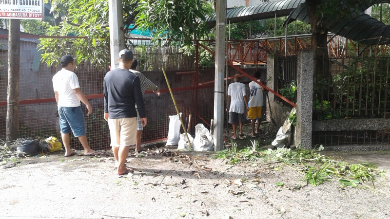 File:Cleanup of Sinapangan Zone 6, Bangued, Abra September 2017 a.jpg