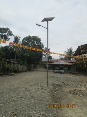 Solar powered street light in Barangay Bantol Davao City.JPG