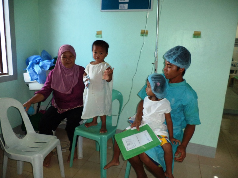 File:2013-03-16 Kapatagan Project B.O.S.S. Patients shown are related.jpg